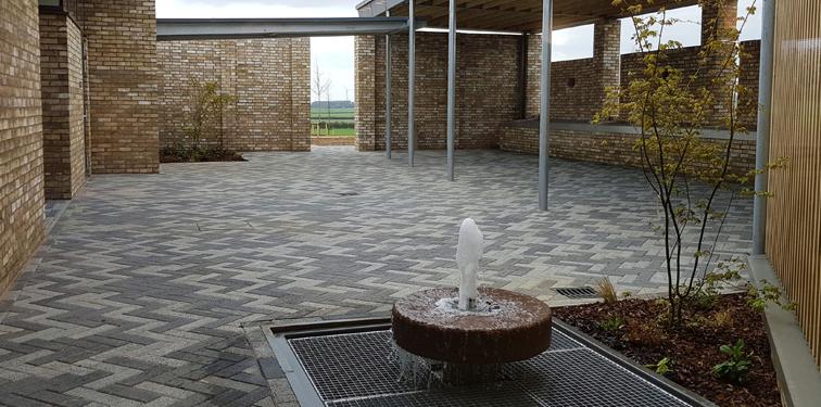 Bierton Crematorium courtyard with fountain